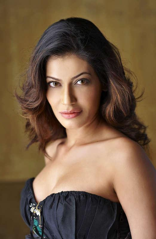 Payal Rohatgi Demeaned Jawaharlal Nehru's Wife and An FIR Was Registered Against Her