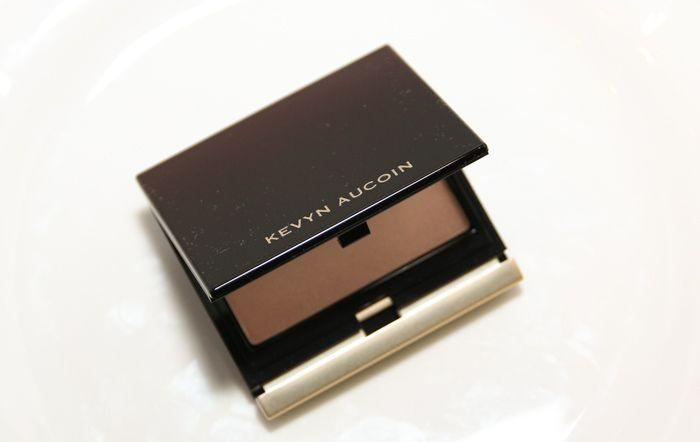 Product Review: Kevyn Aucoin Sculpting Powder
