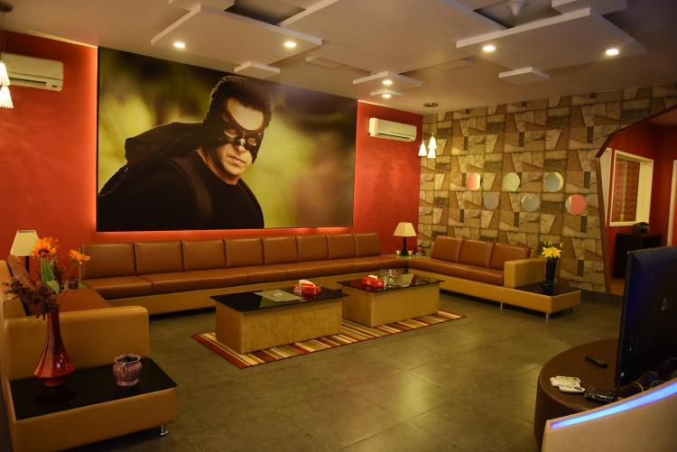 Has Iulia Vantur Been Spending Time With Salman Khan On The Sets of Bigg Boss?