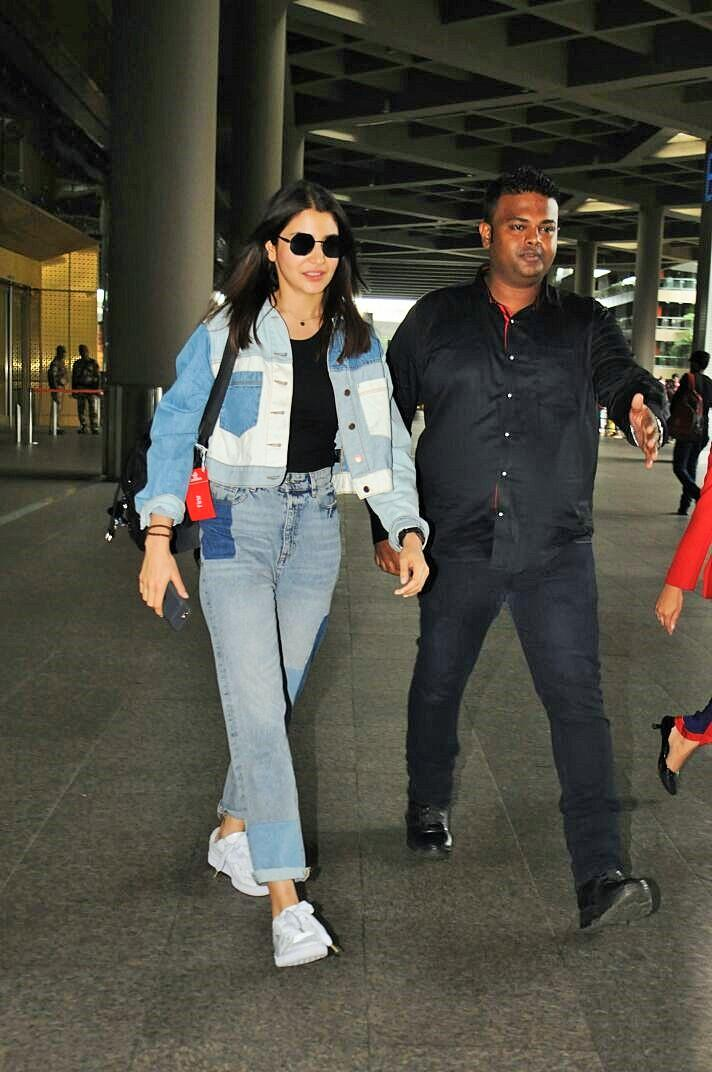 Anushka Sharma and Kriti Sanon Redefine Summer Airport Style