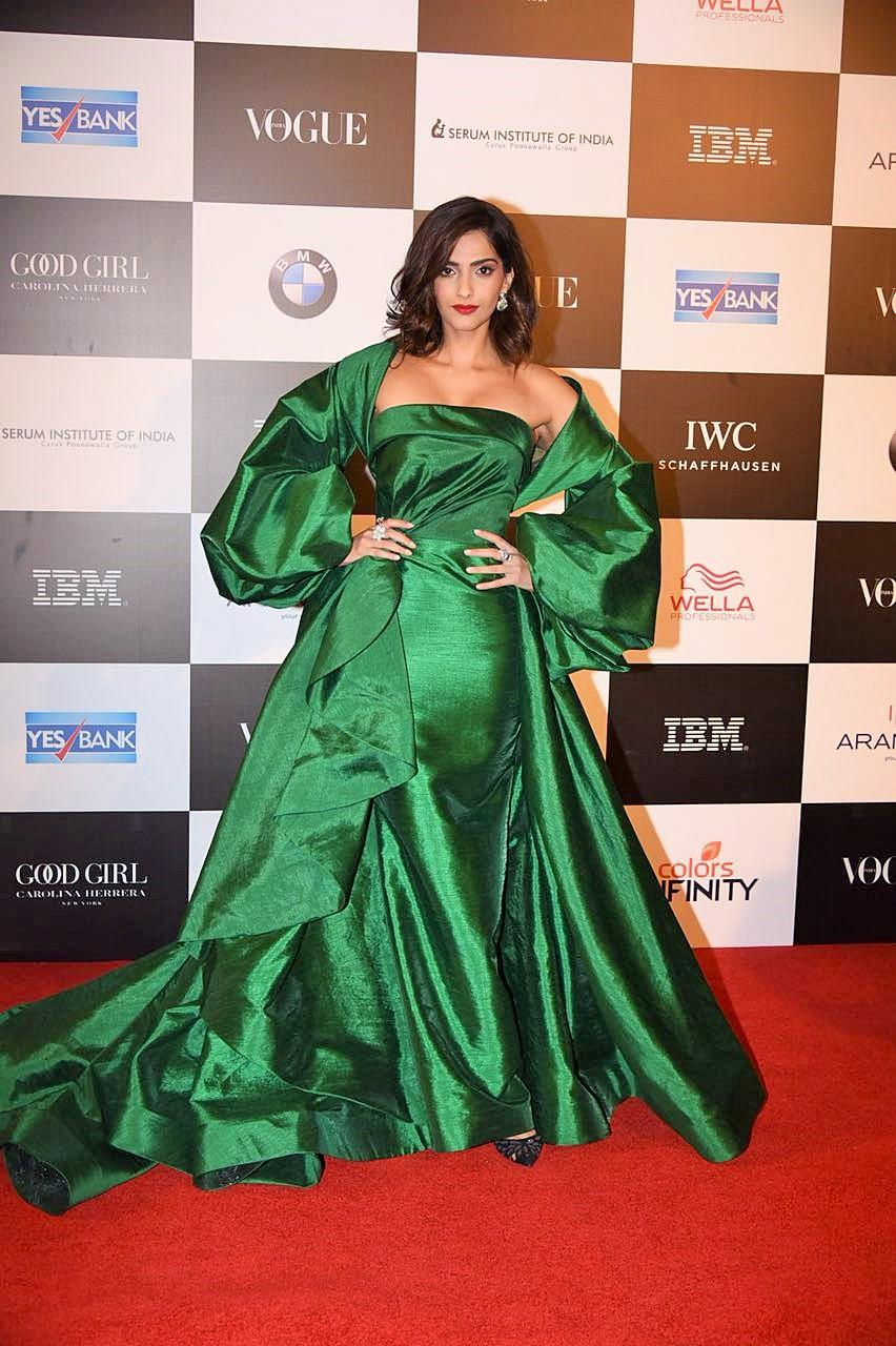 From Aishwarya Rai to Radhika Apte; 5 Most Shocking Outfits From Vogue Awards