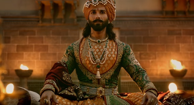 Padmaavat Review: Tedious but Entertaining