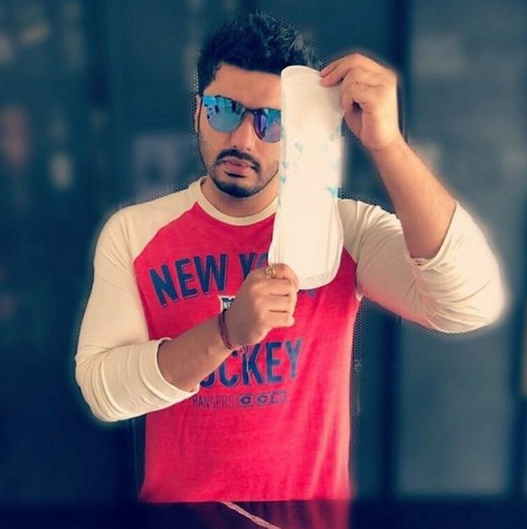 B-town Celebs Join in Akshay Kumar's Padman Challenge