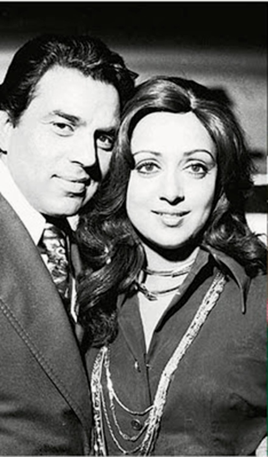 A Peek Into the Fascinating Journey of Hema Malini Through the Eyes of her Biographer