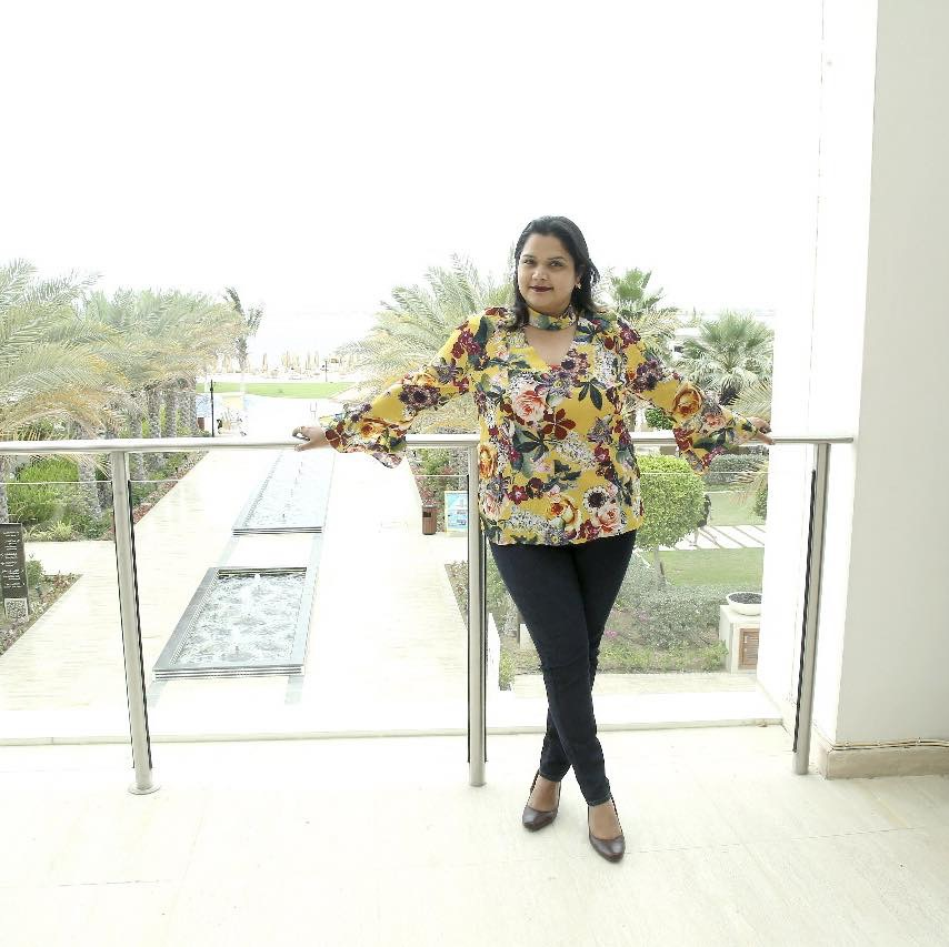 Meet the Girl Shah Rukh Khan Danced With in Dubai