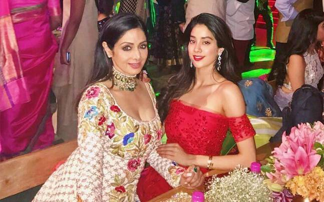 """Jhanvi Kapoor on Sridevi's Death: """"My Family Can't Get Over the Loss"""""""