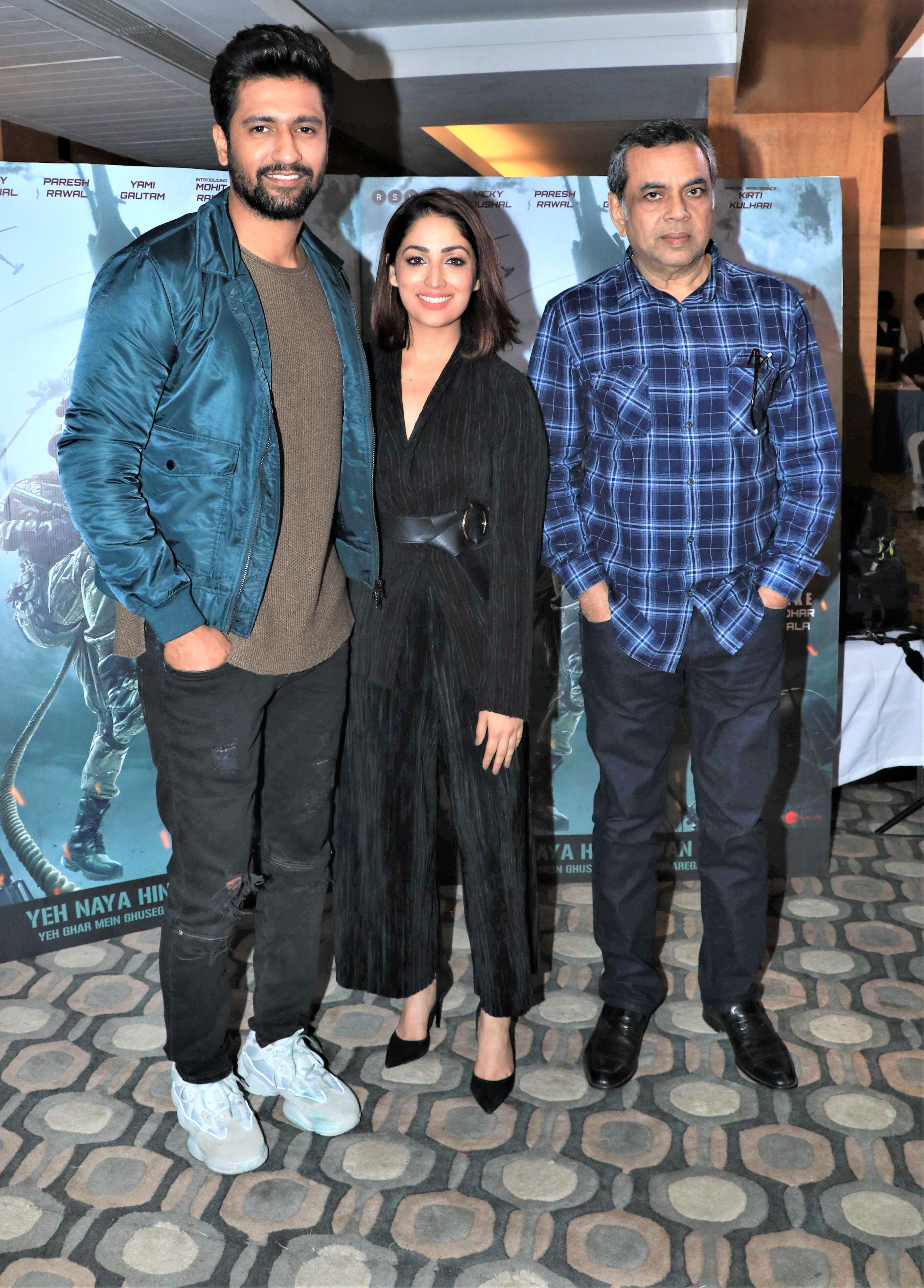 Star Spotting: Sonam Kapoor-Anand Ahuja Go On A Dinner Date, Ranveer Singh Is All Smiles and Kartik Aaryan Snapped!