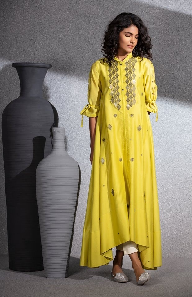 Trunk Show - AM:PM Fashions Portrays 'Filigree' Art