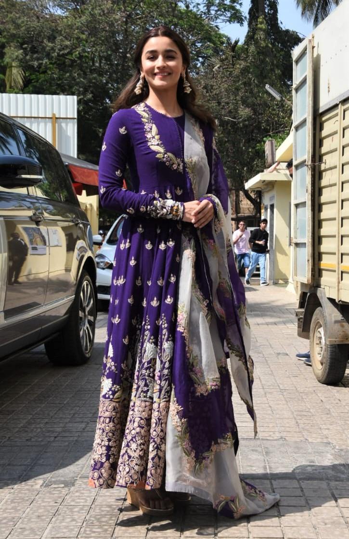 'Kalank' Trailer Launch: Alia Bhatt, Varun Dhawan, Sonakshi Sinha, Aditya Roy Kapoor, Madhuri Dixit Go All Traditional