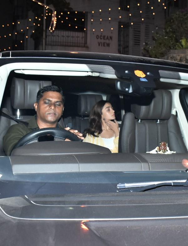 Ranbir Kapoor-Alia Bhatt-Ayan Mukerji Spotted At Karan Johar's House