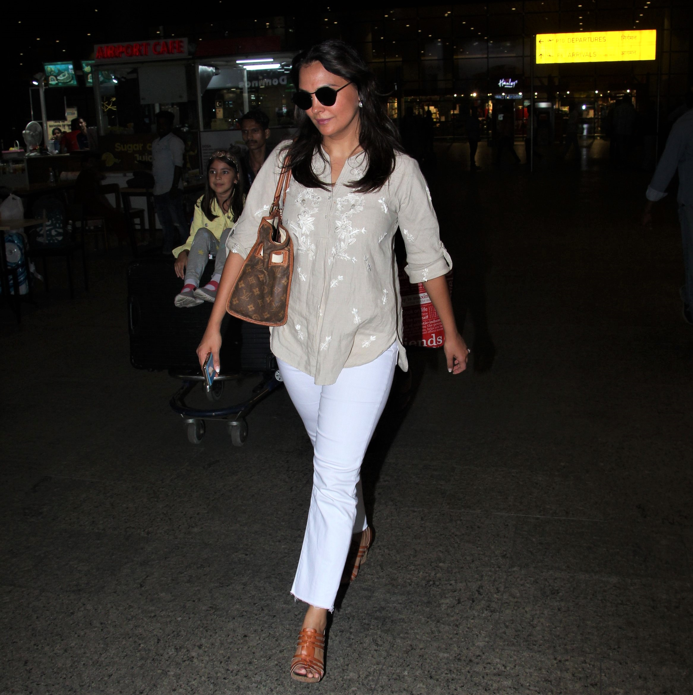 Lara Dutta Is Totally Chic At The Airport!
