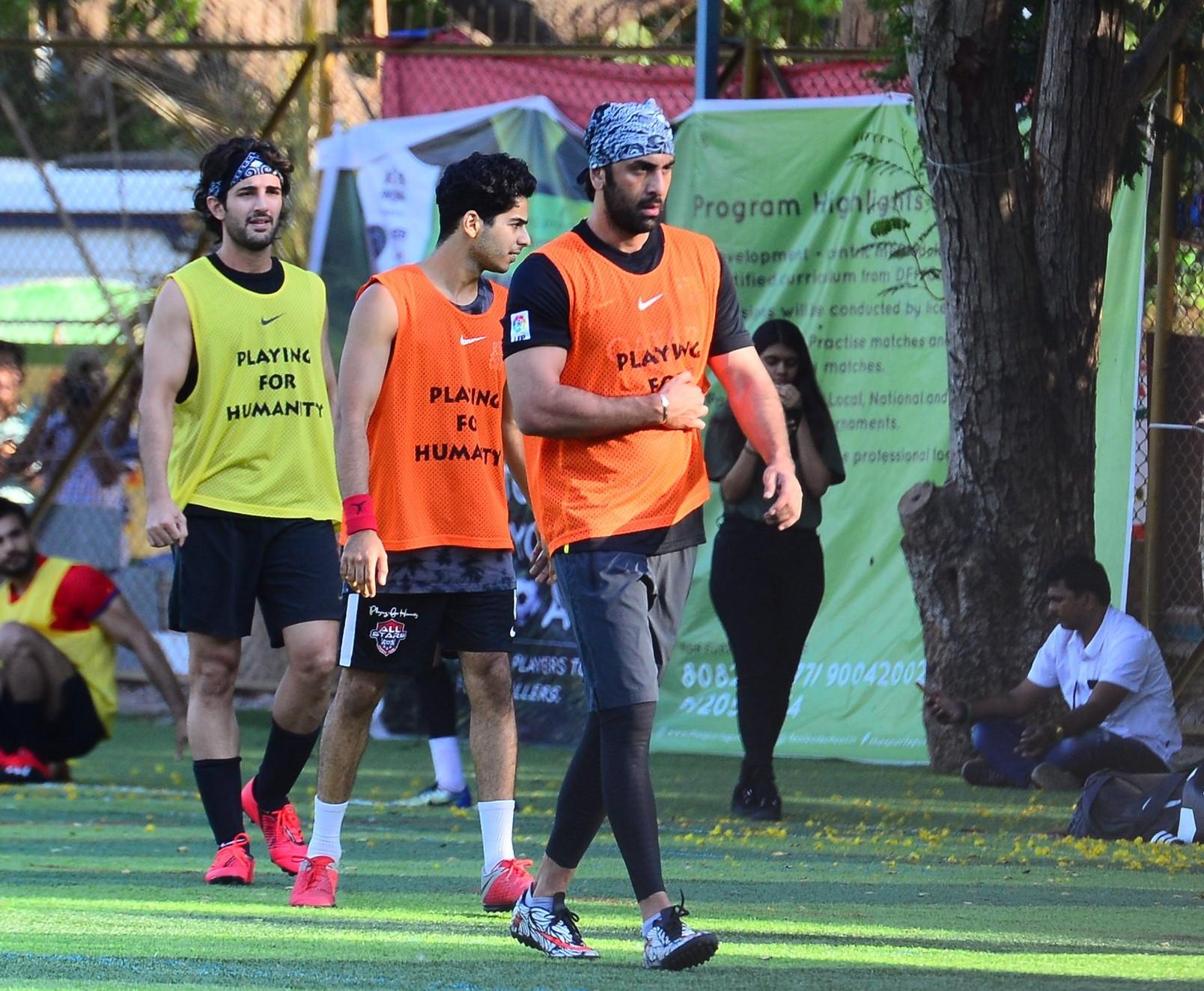 Ranbir Kapoor Spotted Playing Football! See Pics