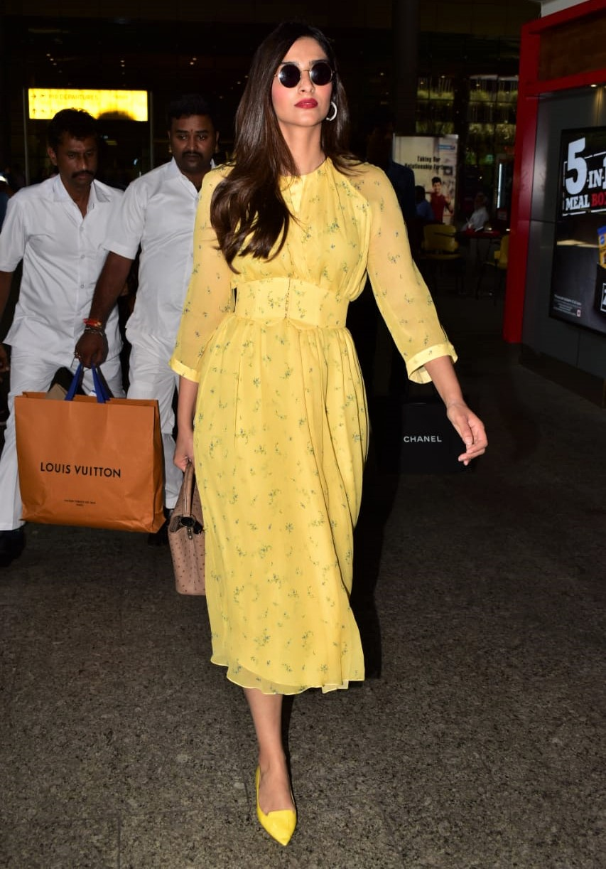 Sonam Kapoor Glows In Yellow For The Airport!
