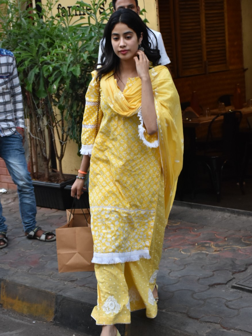 Sonam Kapoor, Sara Ali Khan and Janhvi Kapoor: The Best Yellow Looks of this Week!