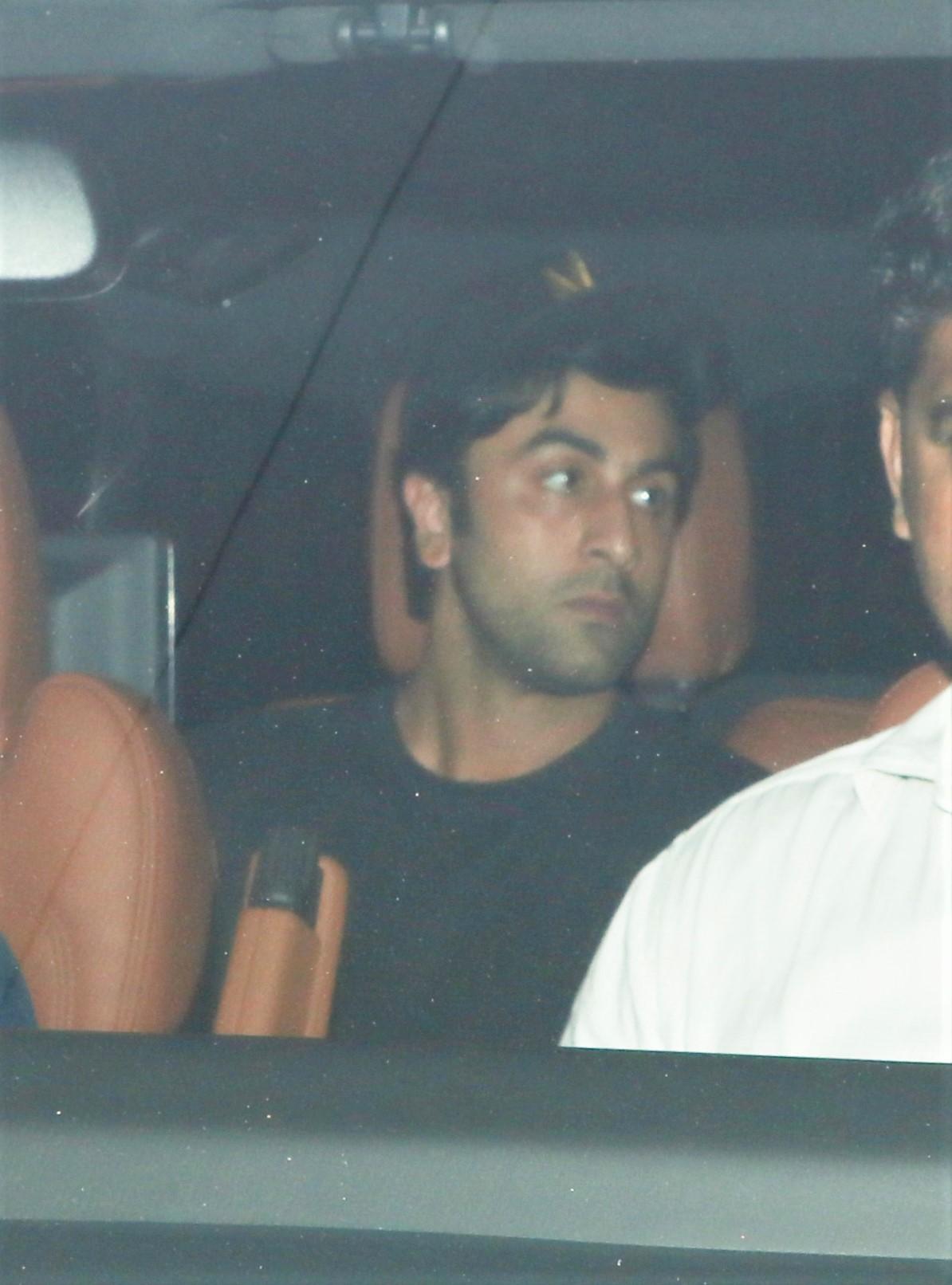 Ranbir Kapoor-Alia Bhatt Seen Together at Old Dharma Office!
