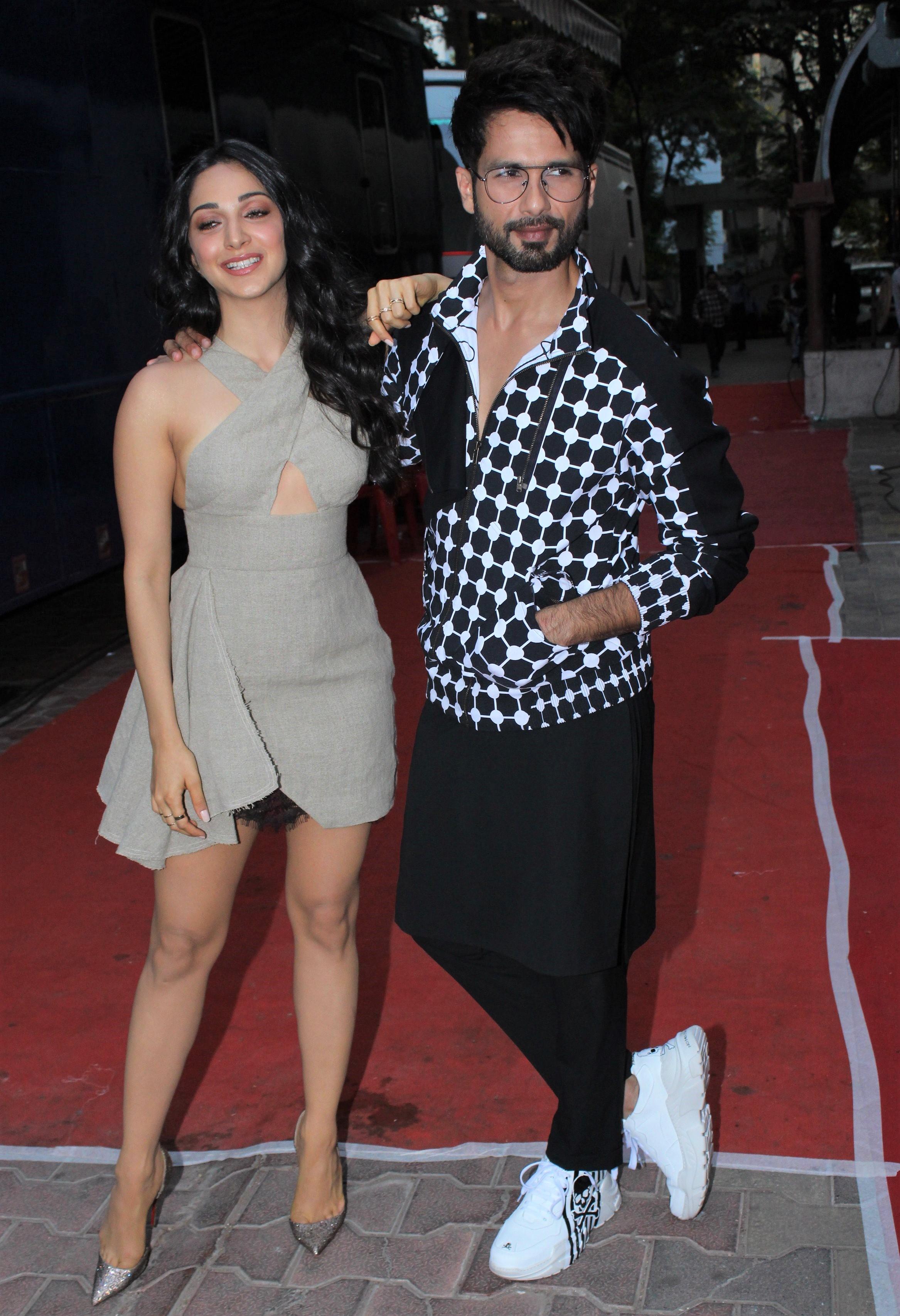 Shahid Kapoor and Kiara Advani Tease Their Kabir Singh Chemistry During Promos!