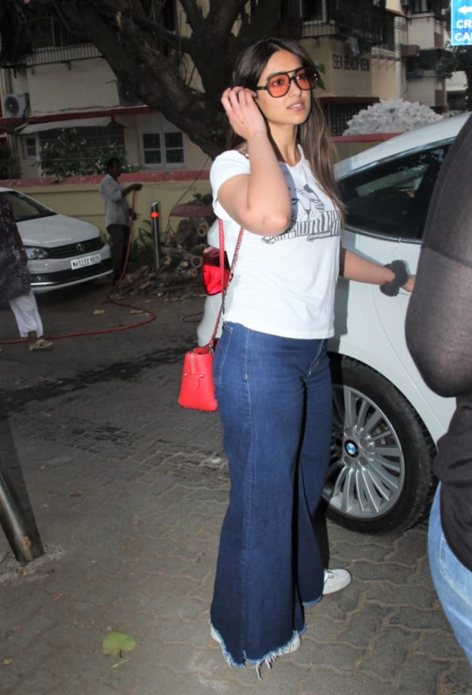 Ileana D'Cruz Spotted by Paps in Relaxed Summer Look
