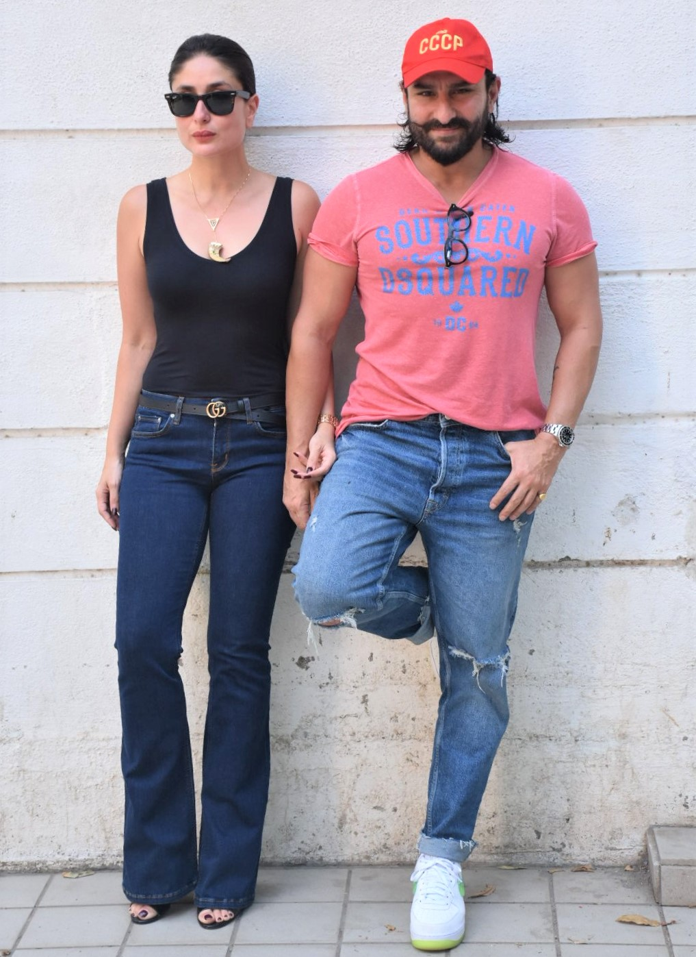 Kareena Kapoor and Saif Ali Khan are Totally Couple Goals in Latest Snaps!