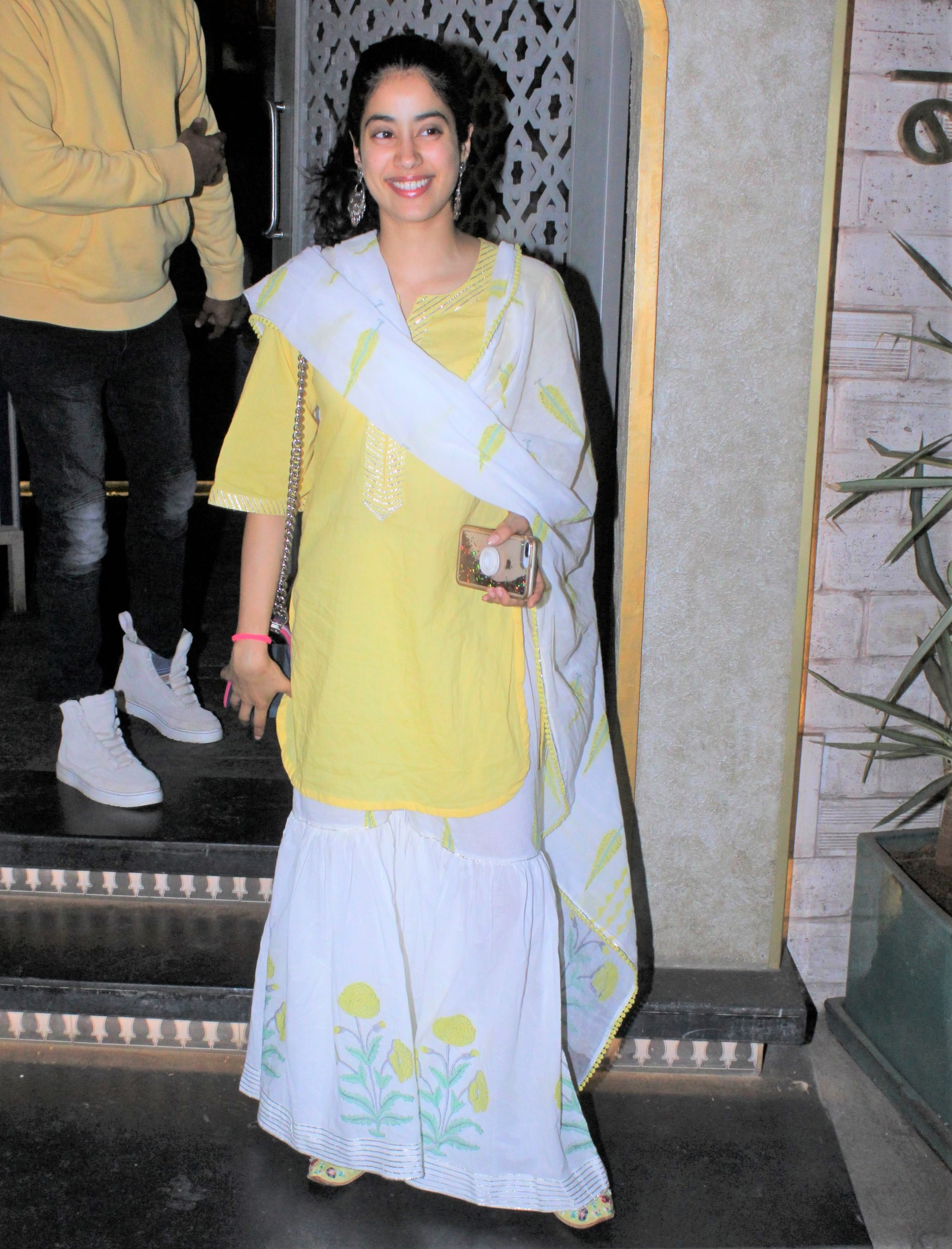 Esha Gupta, Ishaan Khatter and Janhvi Kapoor Spotted Around Town