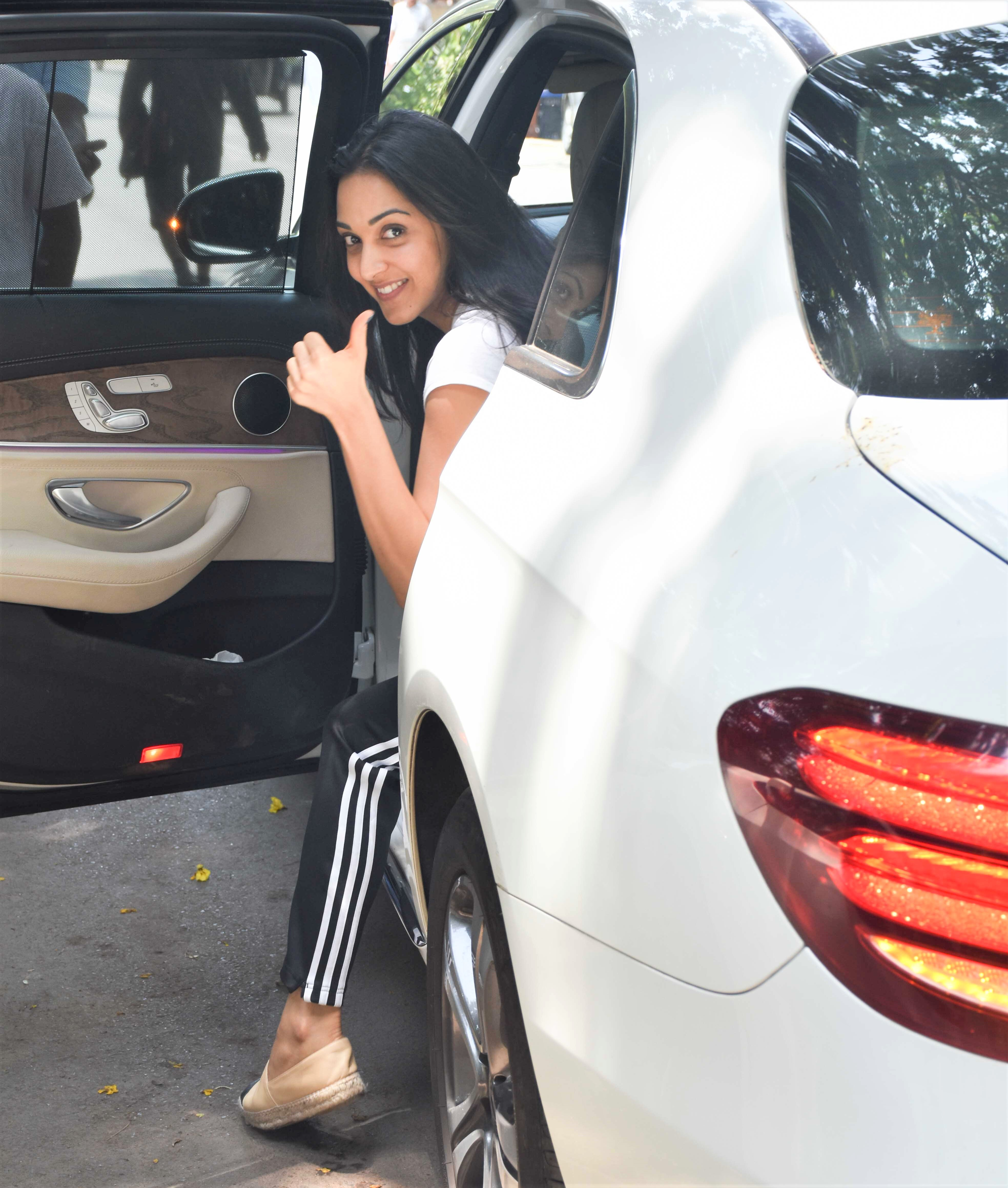 Kiara Advani Goes Make Up Free While Out and About