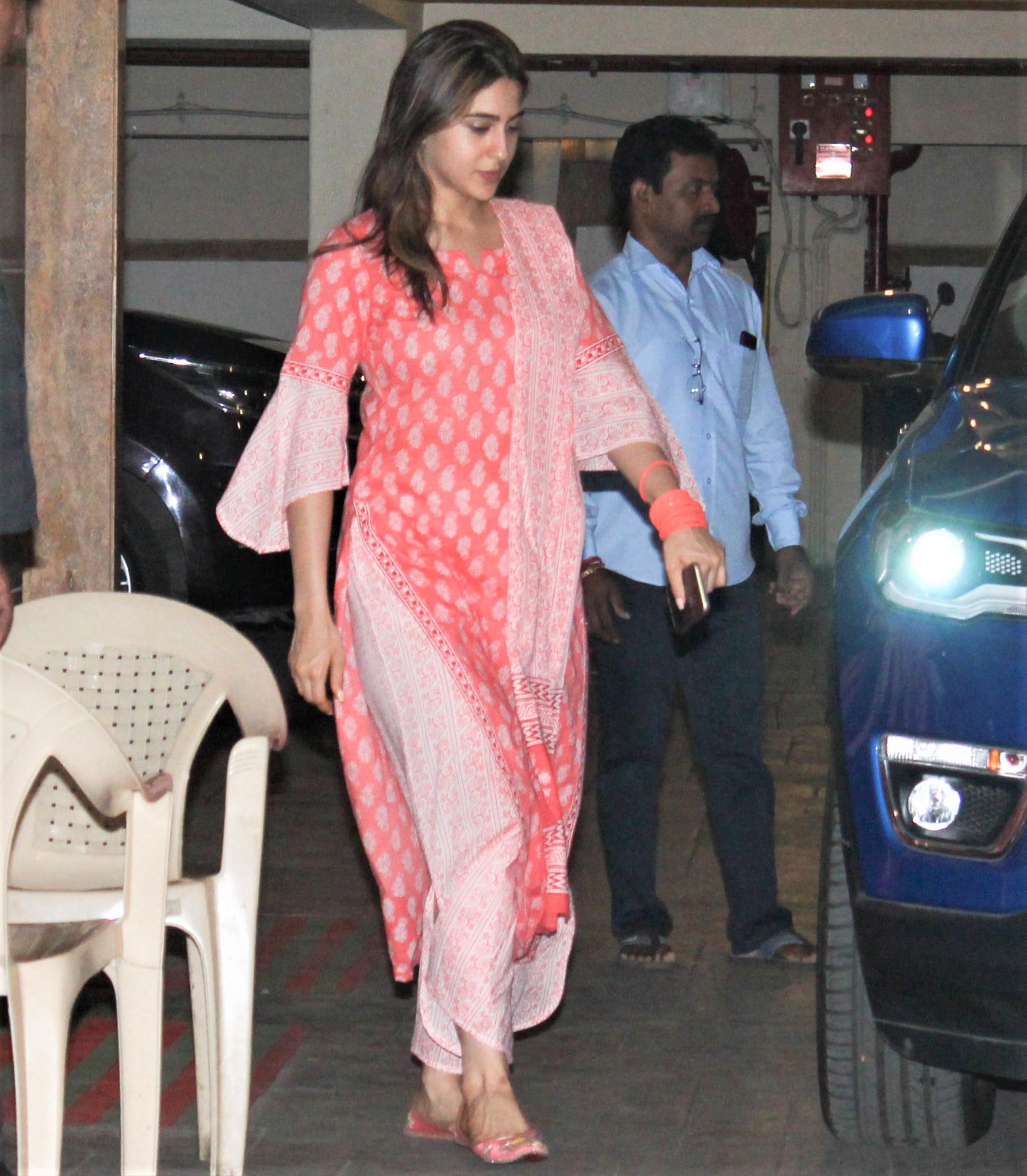 Sara Ali Khan Attends Family Dinner Party with Sharmila Tagore, Soha and Ibrahim Ali Khan