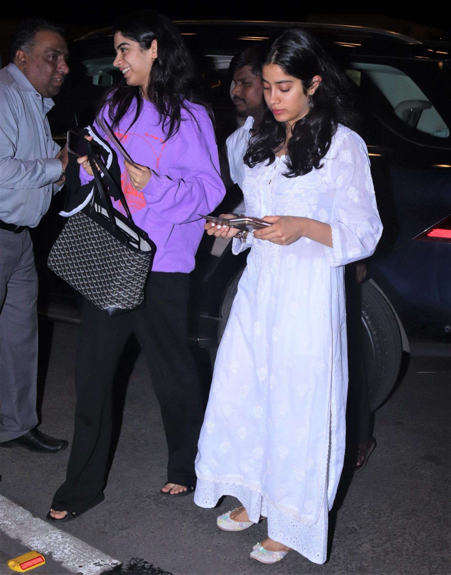 Janhvi Kapoor and Khushi Holding Hands at the Airport Is the Cutest Thing You'll See Today