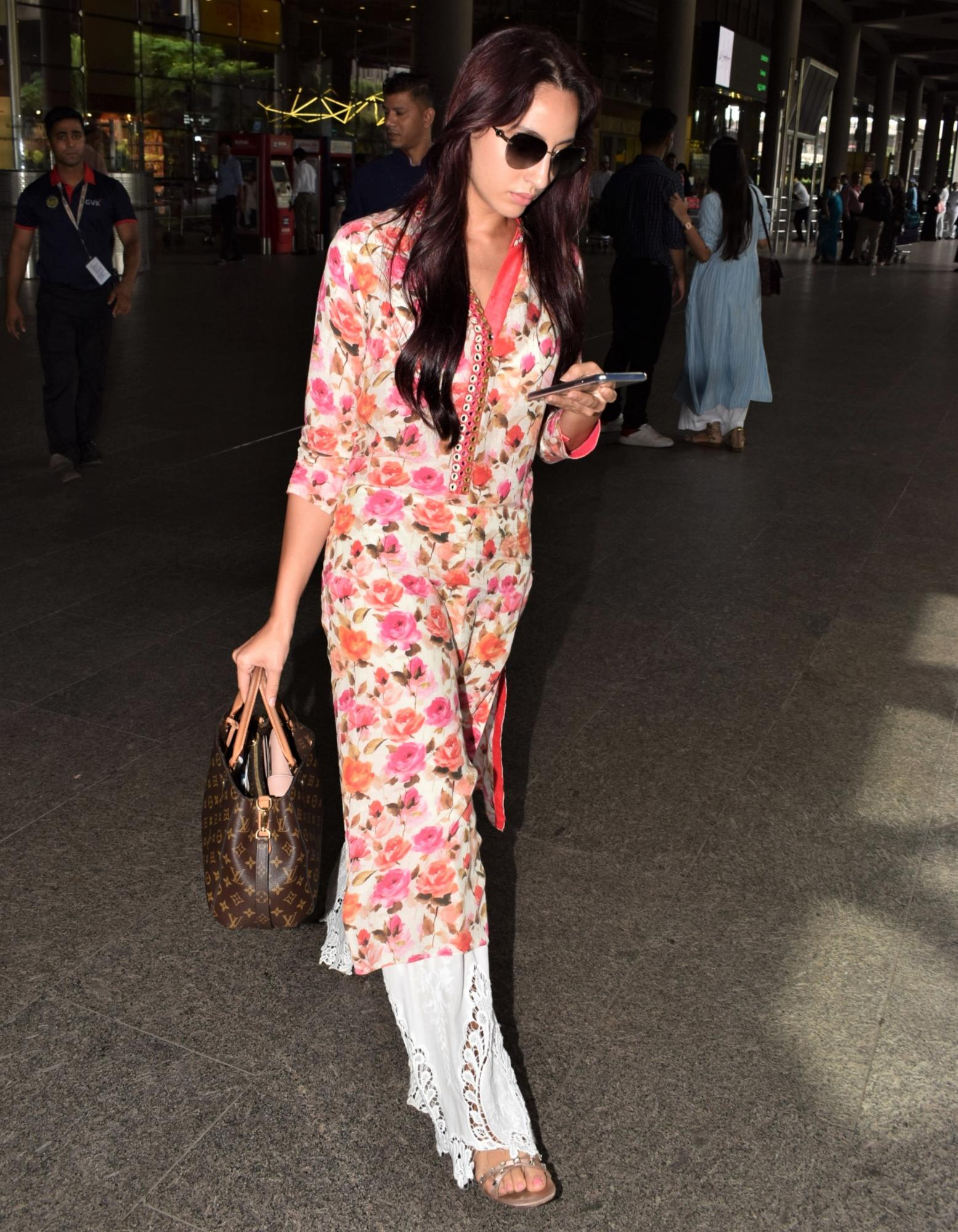 Nora Fatehi: Dilbar Girl is Radiant in Florals For Her Latest Look