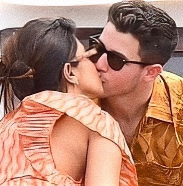 Priyanka Chopra and Nick Jonas' PDA During Their Paris Cruise is Too Cute to Handle