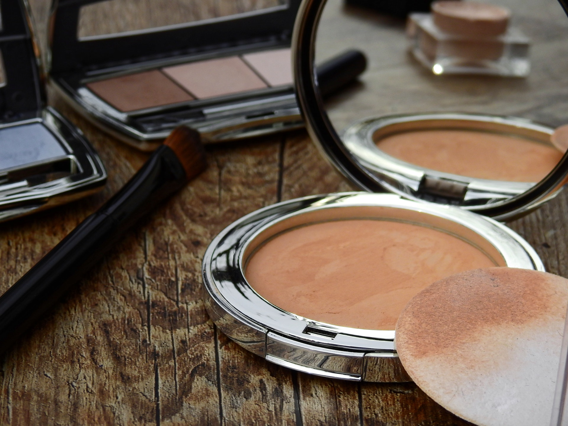 3 Ways To Look Younger With Makeup