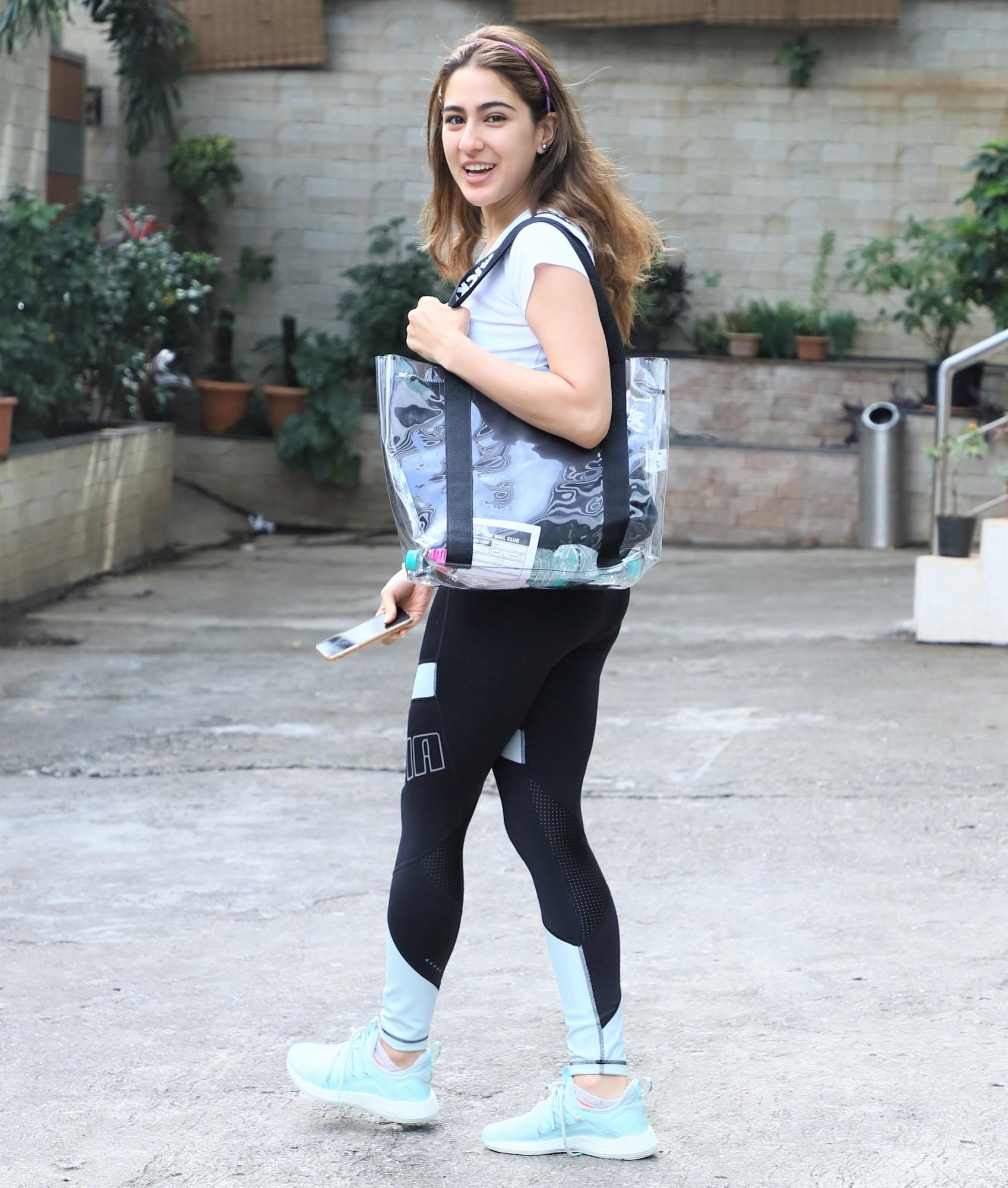 Sara Ali Khan Shares 5 Important Tips for Healthy and Glowing Skin. Find Out What is Most Important to Her!