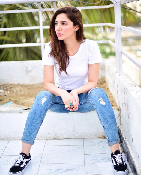 Mahira Khan, 15 Times the Actress Proves that White is the Colour of the Season