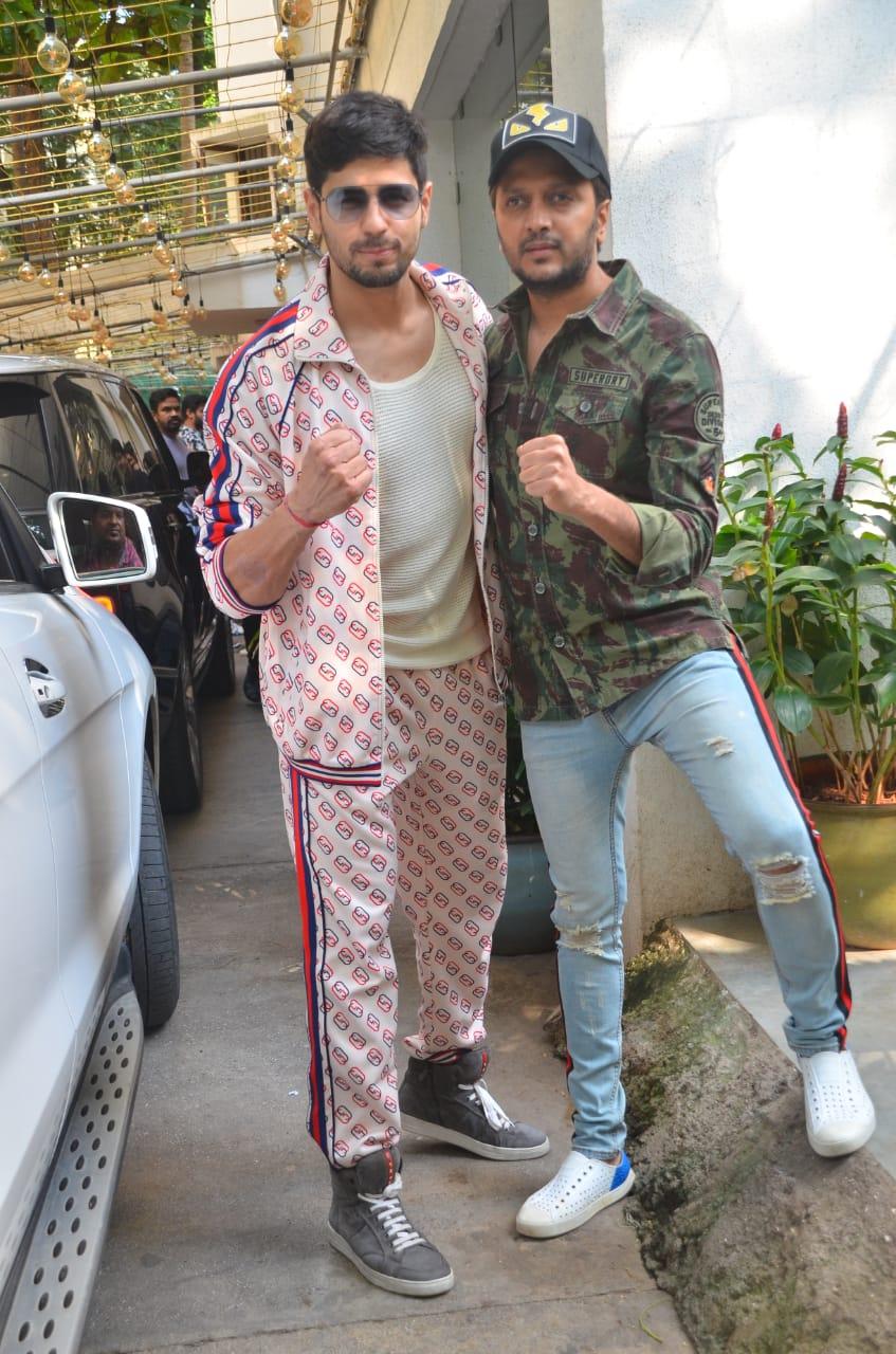 Sidharth Malhotra and Ritiesh Deshmukh promoting Marjaavaan