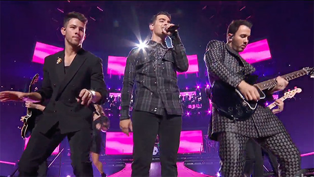 Jonas Brothers making a comeback at the AMAs