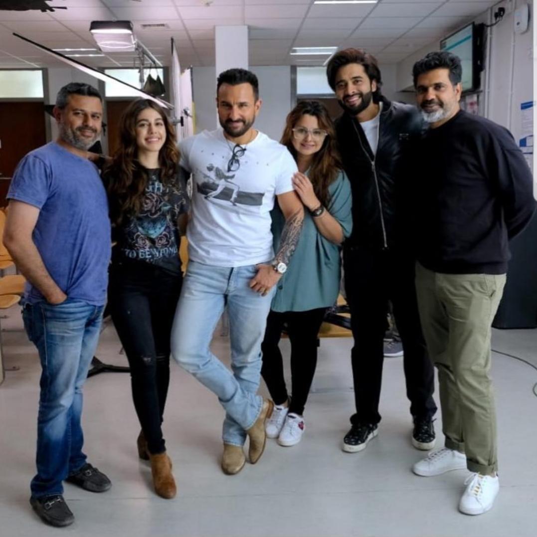 Saif Ali Khan Poses with the Team of Jawaani Jaaneman