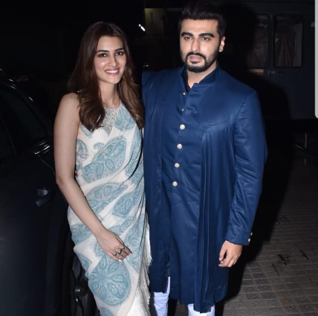 Janhvi Kapoor Attends the Screening of Panipat Supporting Brother Arjun Kapoor