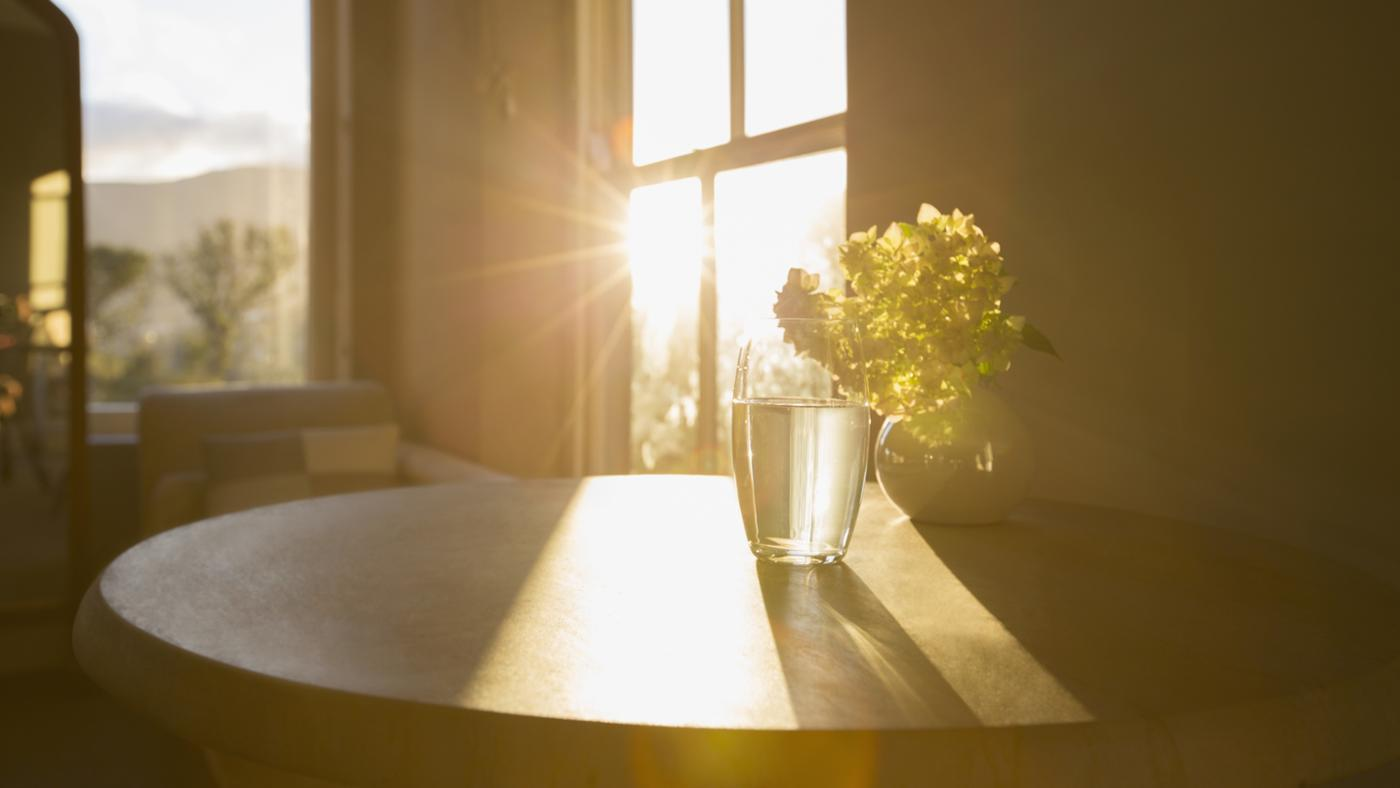 4 Things To Incorporate In Your Morning Routine To Wake Up Happier