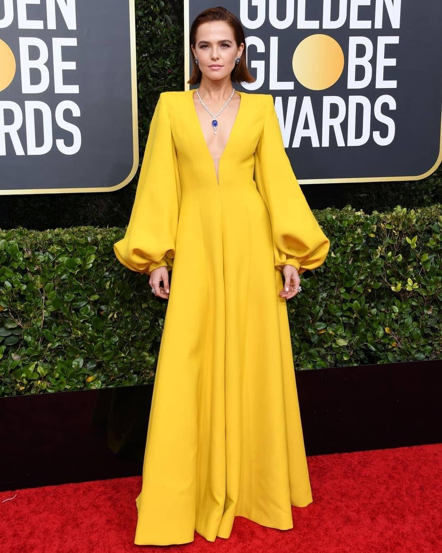 Zoey Deutch at the Golden Globe Red Carpet
