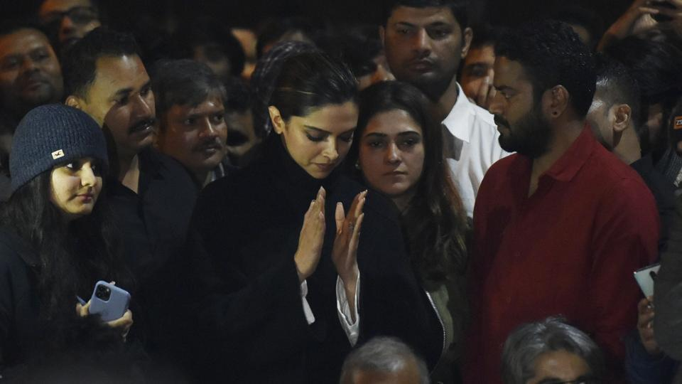 Deepika Padukone Attends JNU Protest