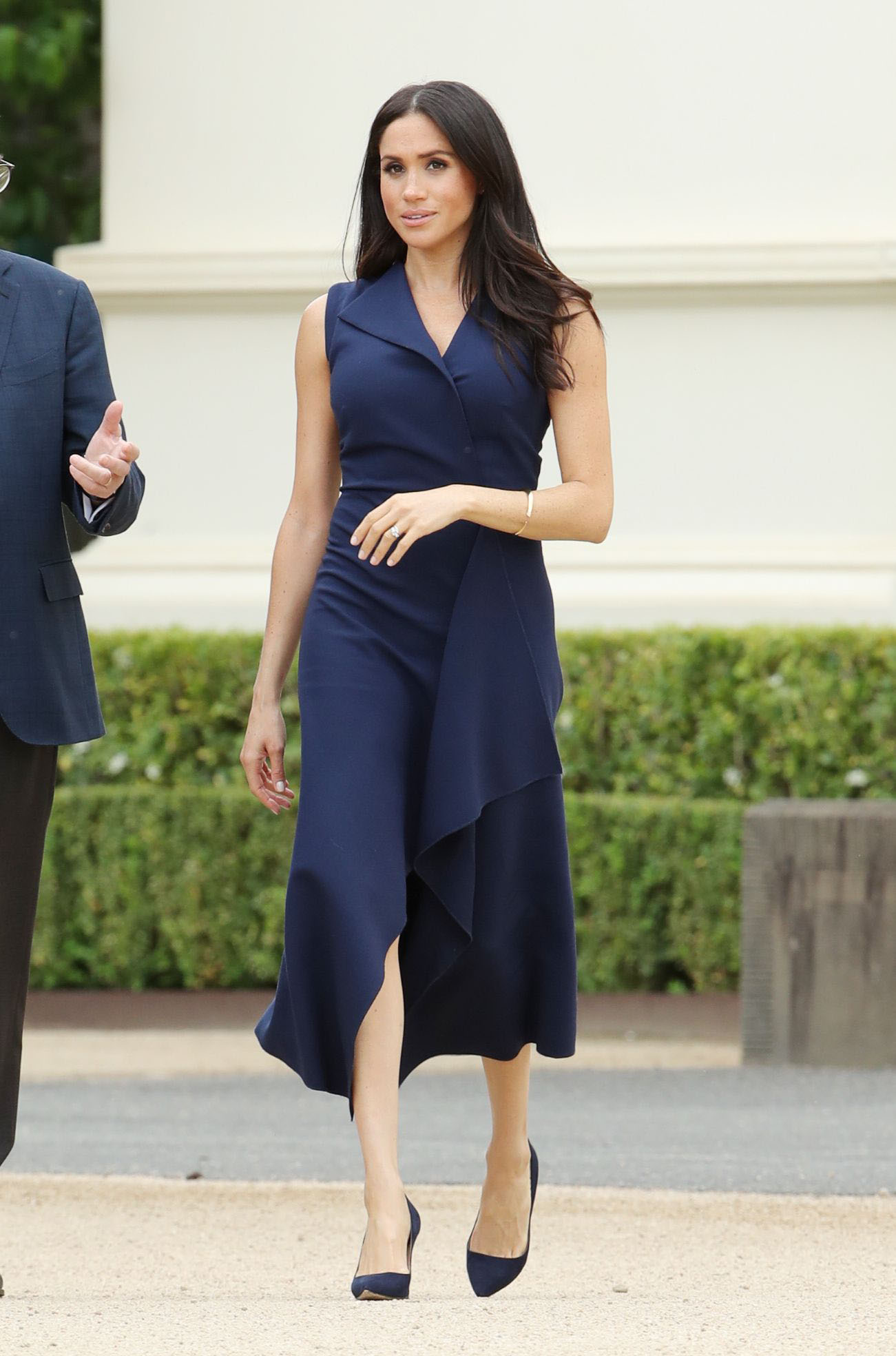 meghan markle brings back solid coloured outfits  masala