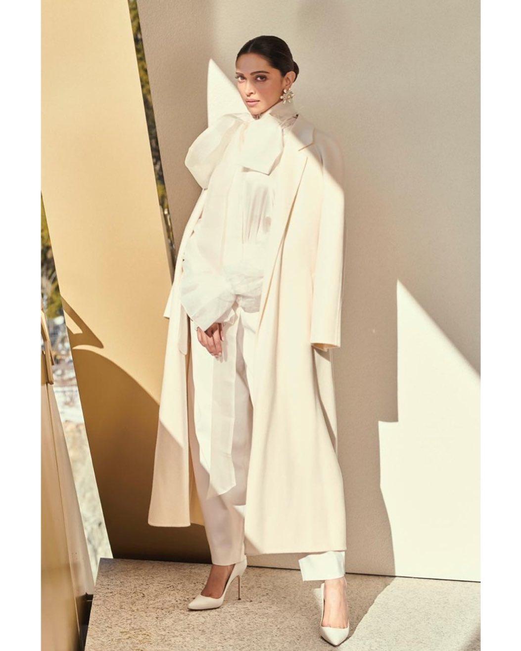 How to Rock a Long Coat a la Deepika Padukone, Sonam Kapoor