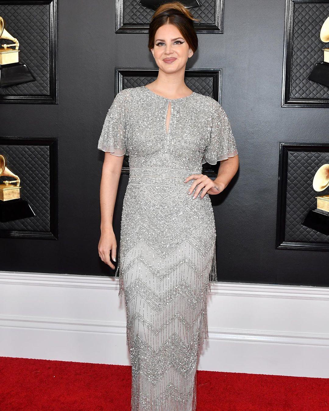 Lana Del Ray at the red carpet