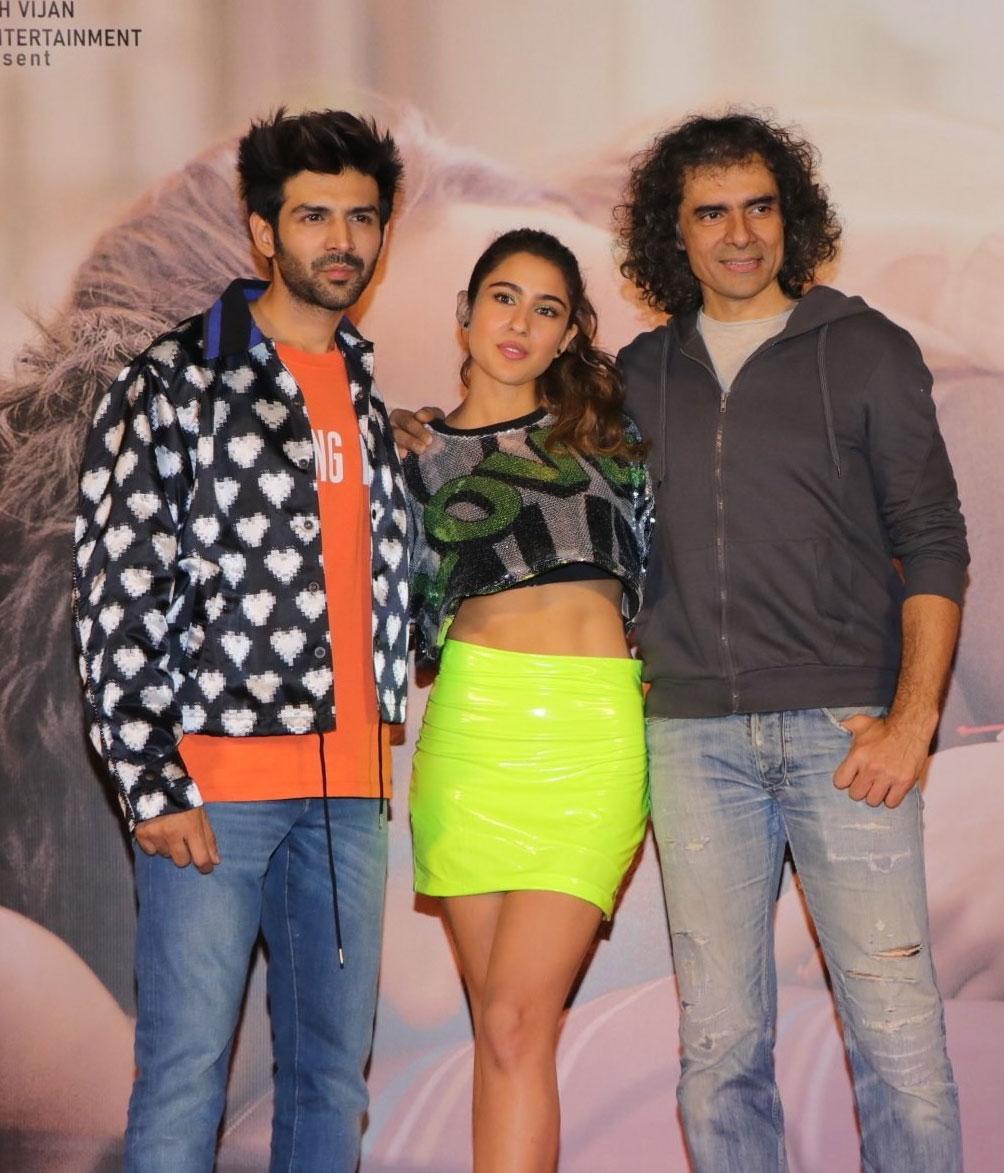 Sara Ali Khan and Kartik Aaryan star in Imtiaz Ali's Love Aaj Kal