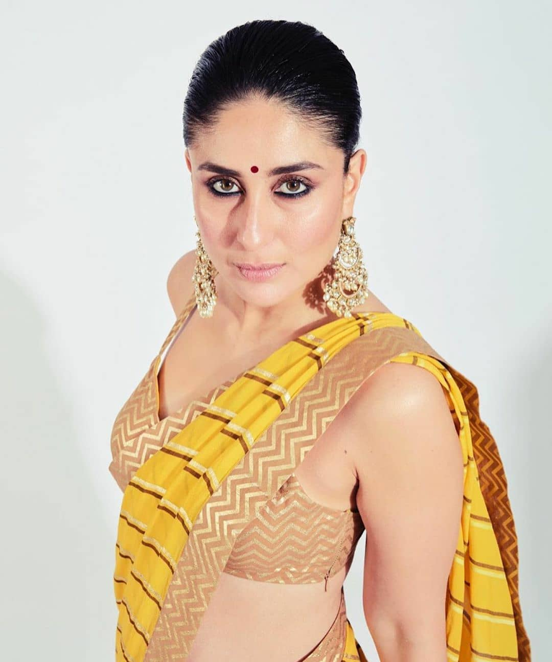 Kareena Kapoor's 20 Years in Bollywood: How She Remained on Top