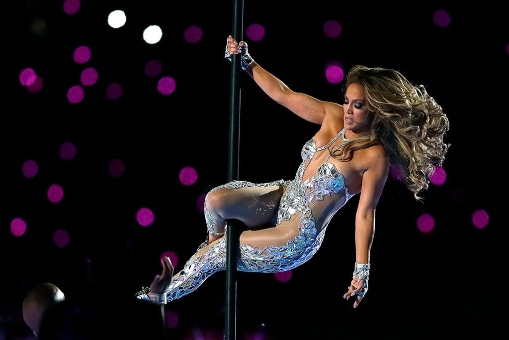Jennifer Lopez pole dancing at the Superbowl 2020