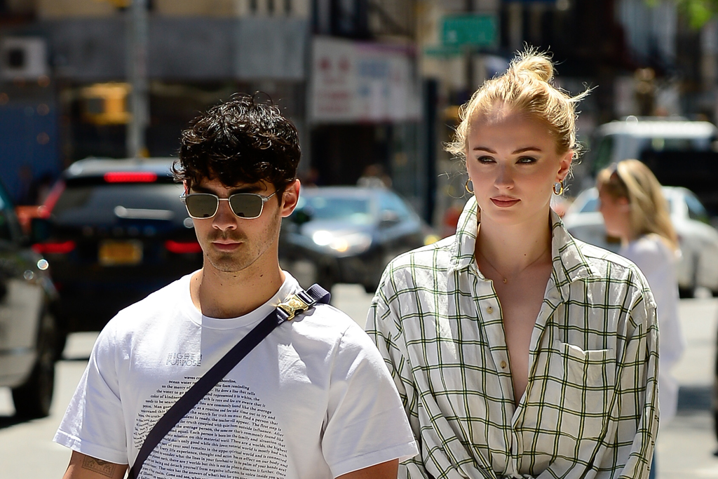 Sophie Turner and Joe Jonas are expecting