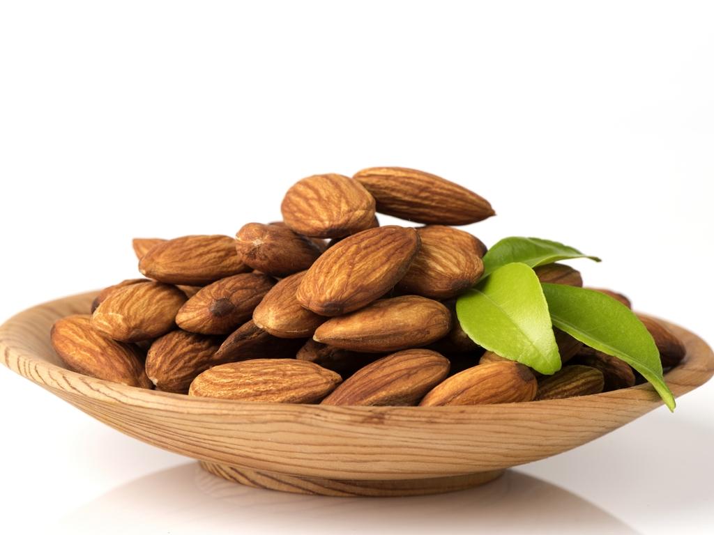 The Health Benefits of Almond Milk