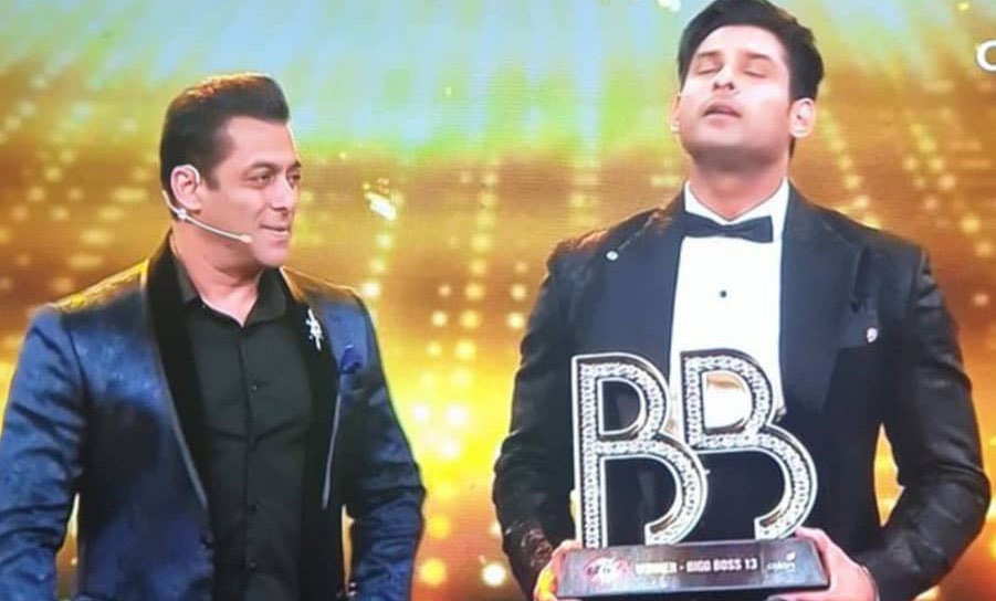 Sidharth Shukla and Salman Khan at Bigg Boss Season 13 grand finale