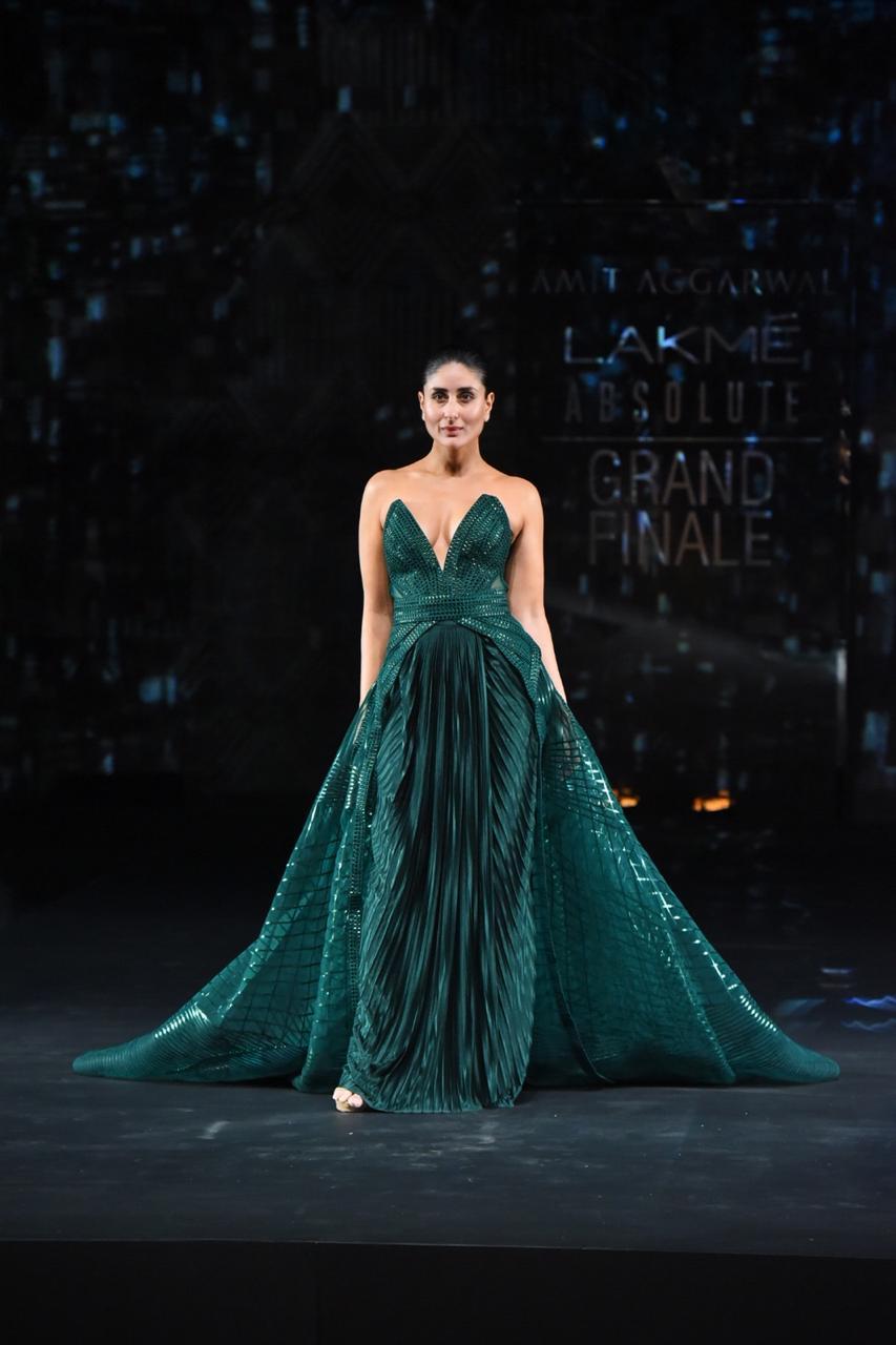 Kareena Kapoor stuns in green Amit Aggarwal creation