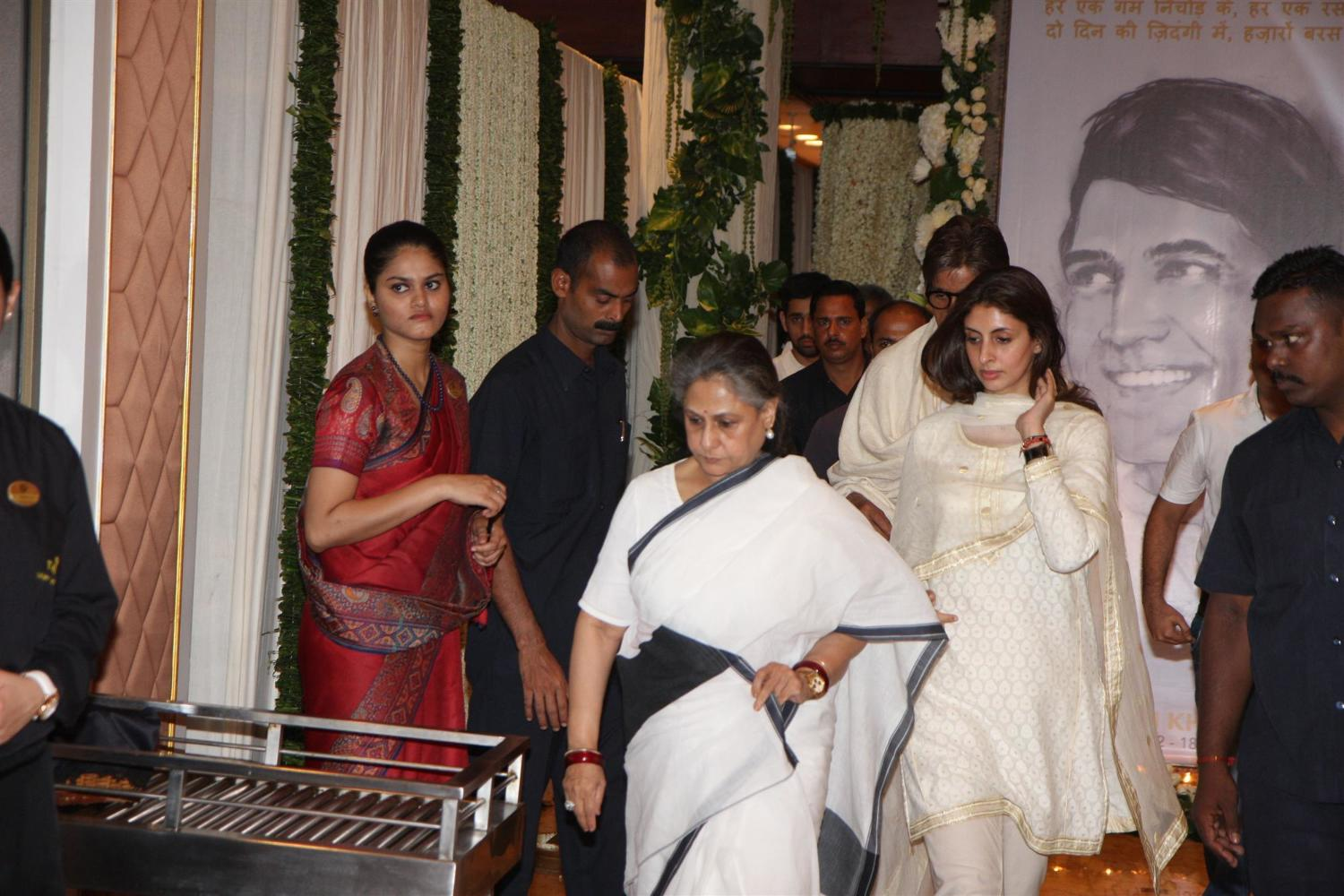 Jaya Bachchan with daughter Shweta Bachchan at Chautha Ceremony Of Late Actor Rajesh Khanna In Mumbai