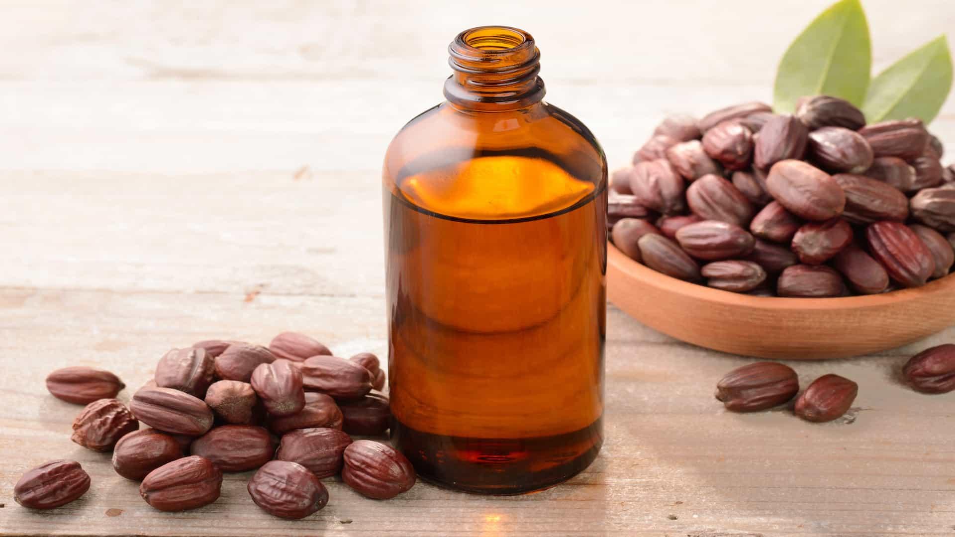 Jojoba Oil: 10 Beauty Benefits